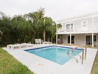 3 bedroom 3 bathroom house with private pool sleeps 10 vacation rh pinterest com