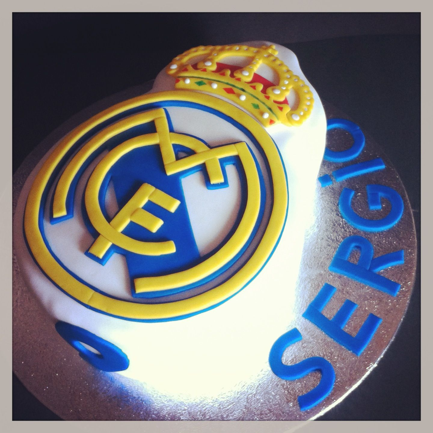 Real Madrid cake tarta del real Madrid by Sanlicious httpseses