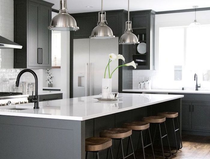 Cuisine noir mat et bois \u2013 élégance et sobriété Kitchen
