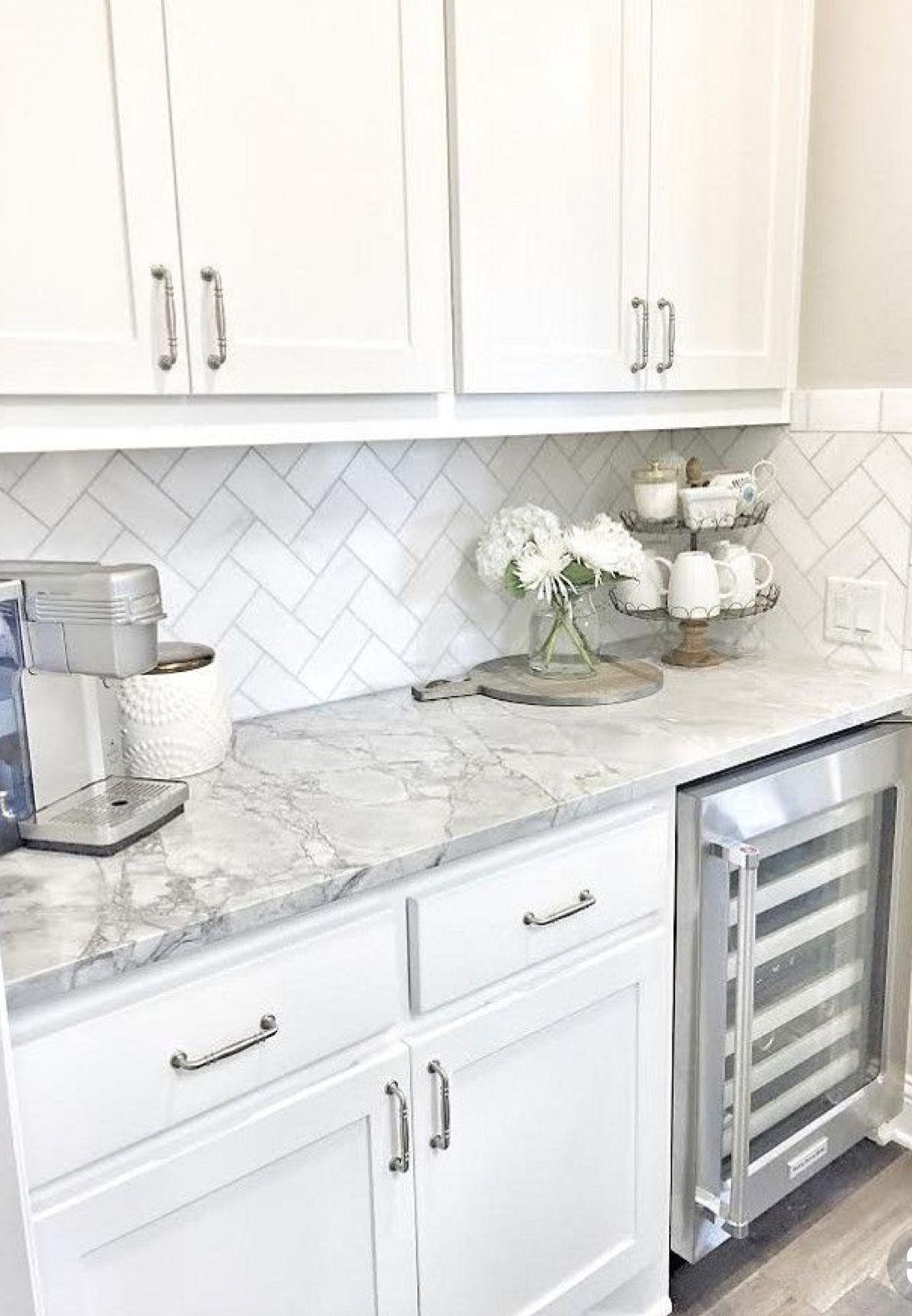 Counter top, backsplash, cabinets. Not hardware | Shabby Chic ...