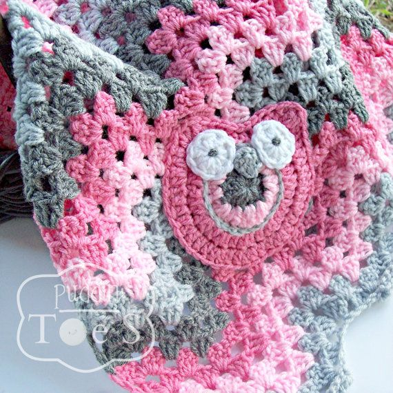 Sweet Pink And Gray Ripple Granny Blanket With A Baby Owl Applique
