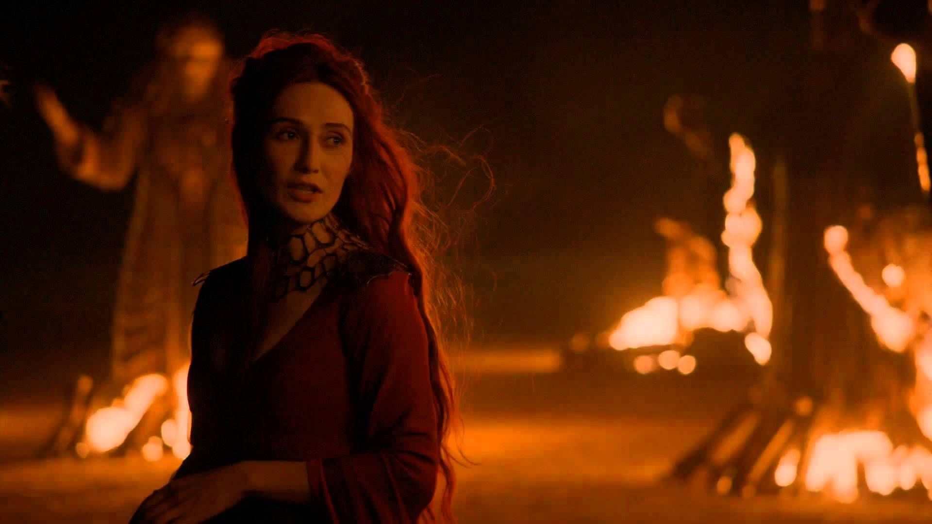 melisandre witch coming into revenge game of thrones 2015 Melisandre #Melisandre #WhiteWalkersGOT #WhiteWalkersNET