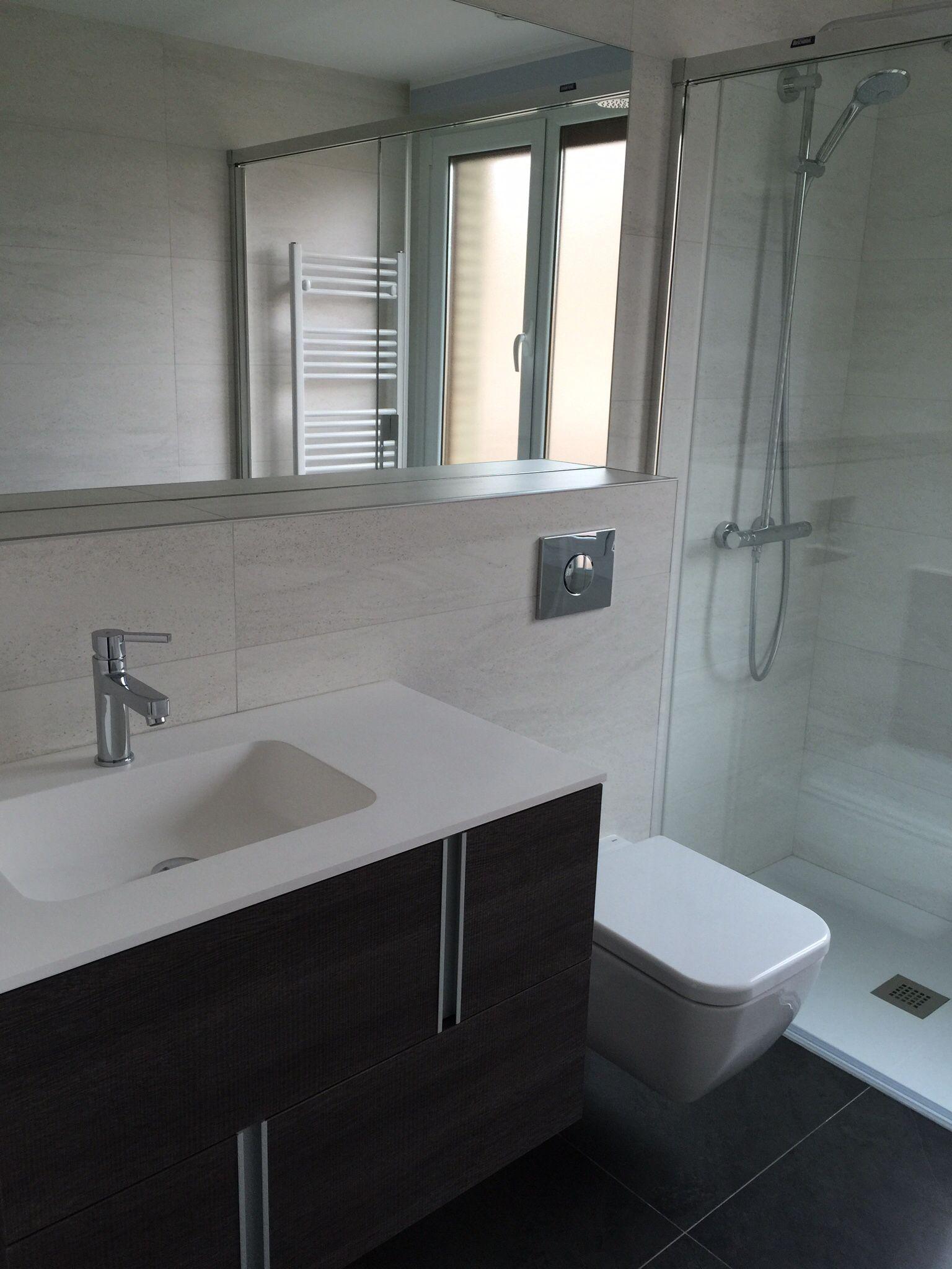 Vpshareyourstyle Daniel From London Uses Neutral Colours: KREA Reformas Baño Con Inodoro Suspendido Y Repisa Corrida