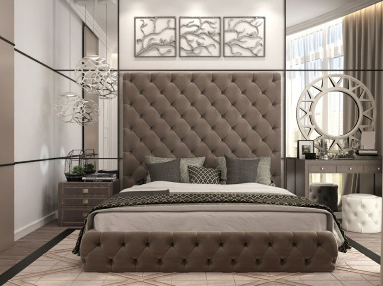 cama con respaldo alto en el dormitorio moderno