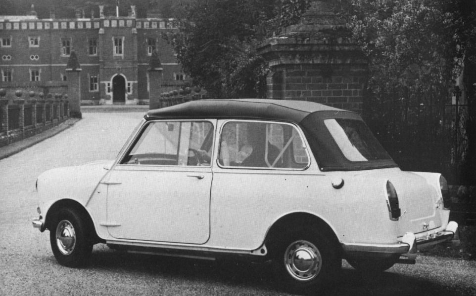 Pin By Alban Vchrn On British Car Mini Classic Classic Mini