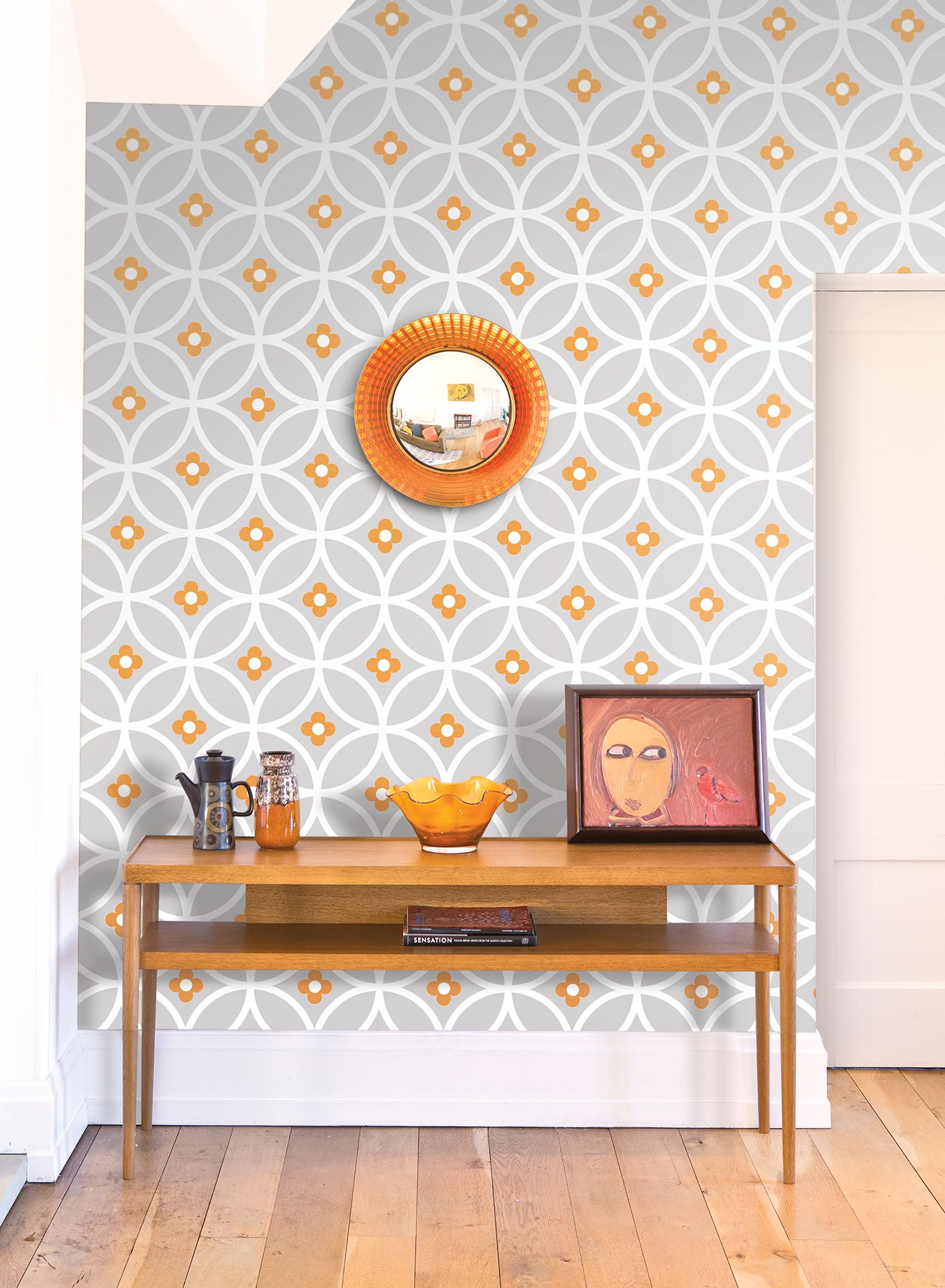 Daisy Chain wallpaper from Layla Faye Retro modern
