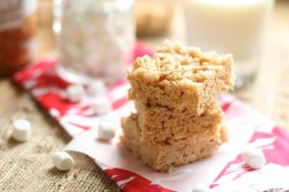biscoff rice crispie treats! must make these for the hubs for valentine's day!