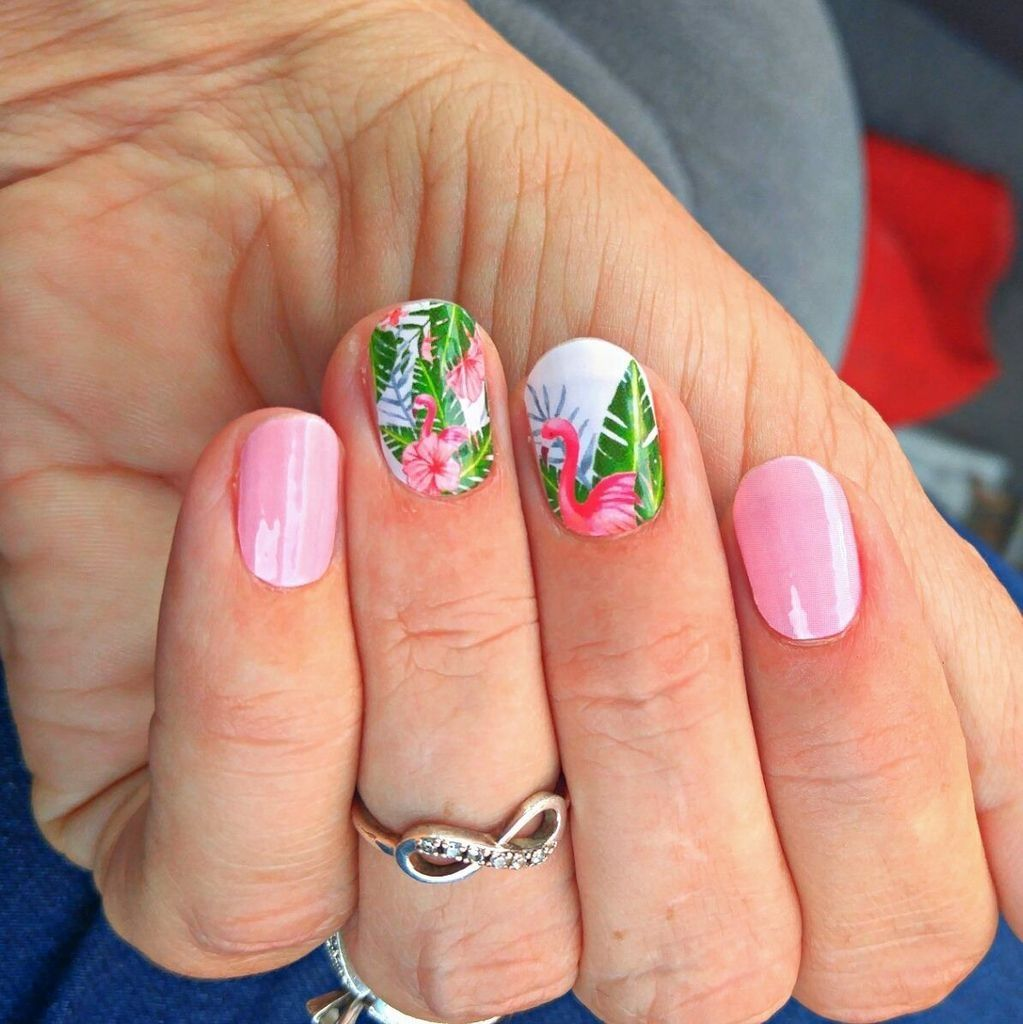 Awesome 35 Beautiful Flamingo Nail Art Ideas for Your