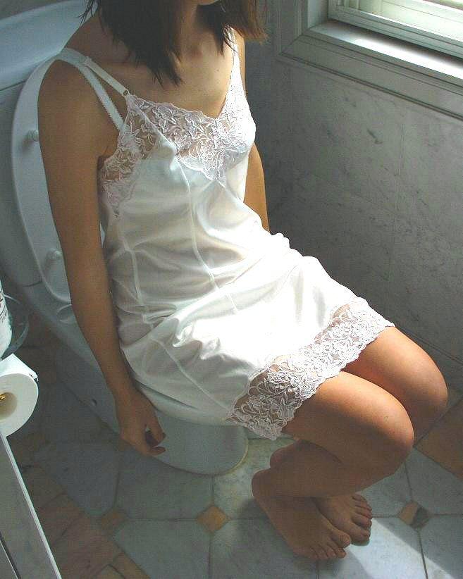 女性スリップ姿画像 pinterest.jp