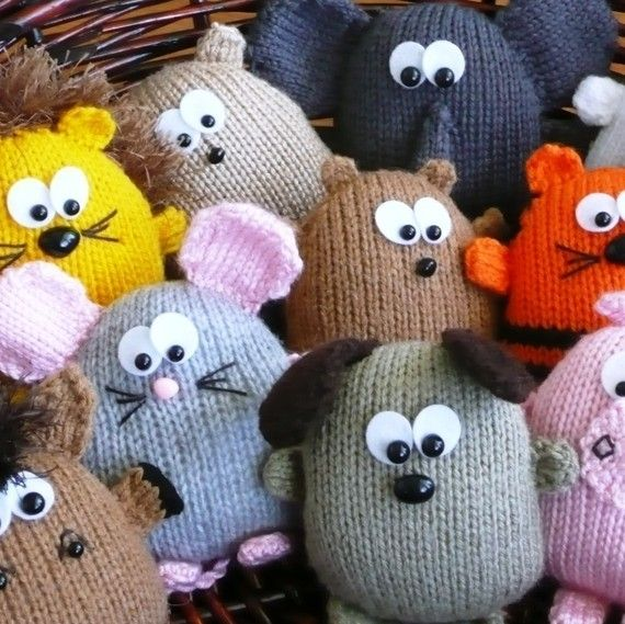 Toy knitting pattern | játékok | Pinterest | Muñecos de punto ...