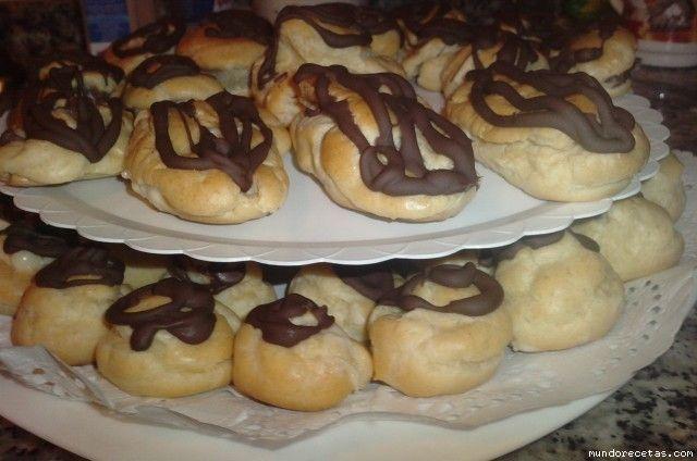 profiteroles de chocolate (pasteles masa bomba)