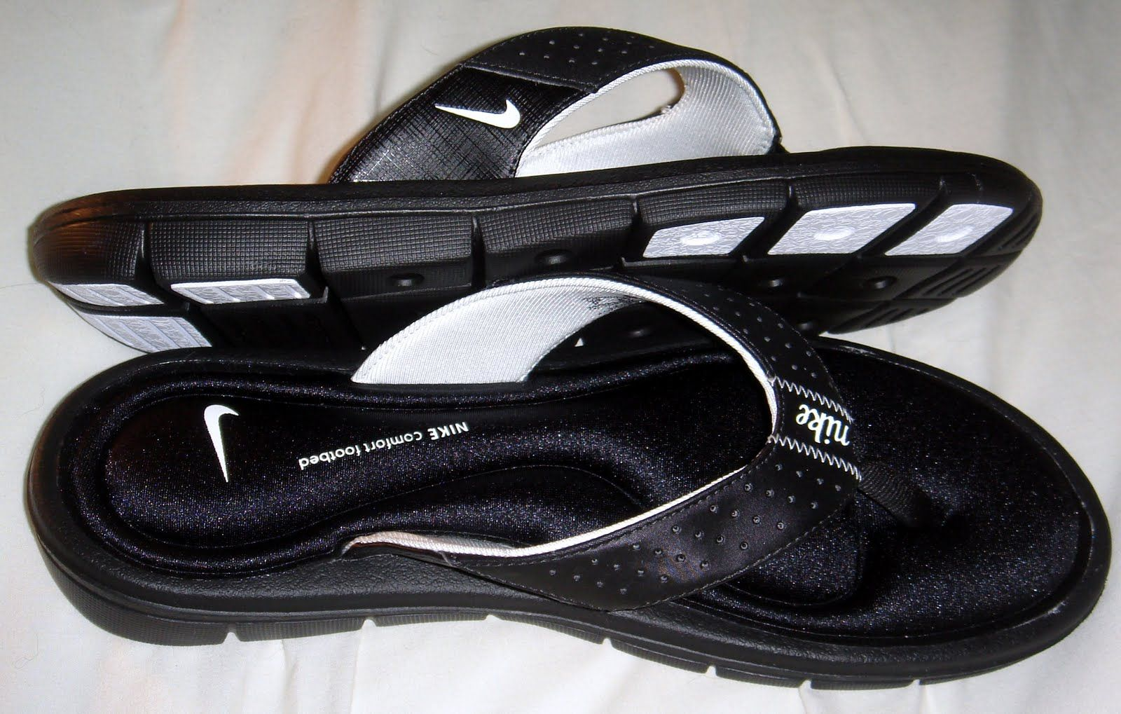 f7ff8e91aa47a0 Nike Gel Flip Flops....got them in black   hot pink. Can t live without them !