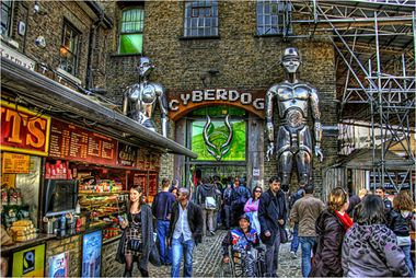 Cyberdog shop camden london one of the trippiest shops in camden when i w - Quartier londres shopping ...