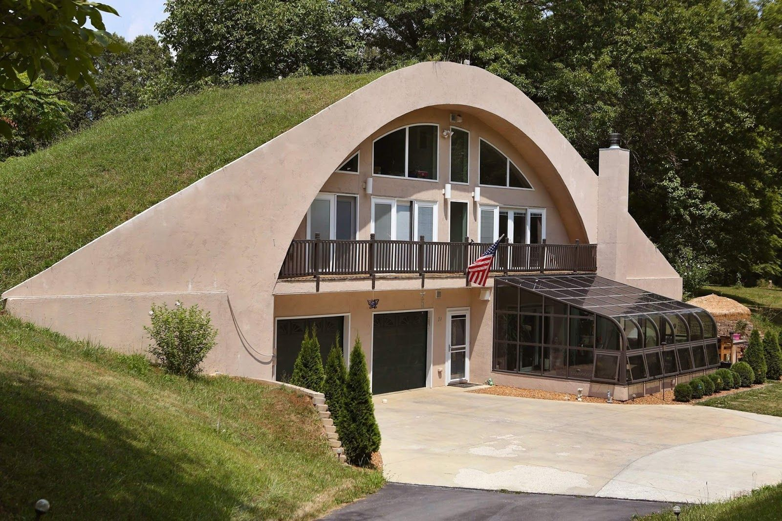 Beautiful Earth Homes And Monolithic Dome House Designs Found ...