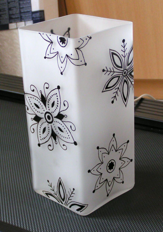 lampe en verre avec motifs floraux noirs peinture sur verre lampes en verre mon tout et. Black Bedroom Furniture Sets. Home Design Ideas