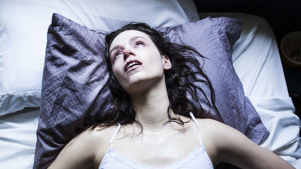 "Starry Eyes: reunião de estilos ""gore"" e ""slasher"" no primeiro trailer  #starryeyes #trailer #terror #horror #vitalyzdTV #prank #slasher #gore #FFCultural #FFCulturalCinema #FFCulturalTrailer"