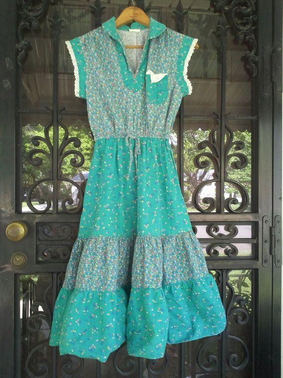 Vintage Flowered Gypsy Dress by vintapod on Etsy, $18.00