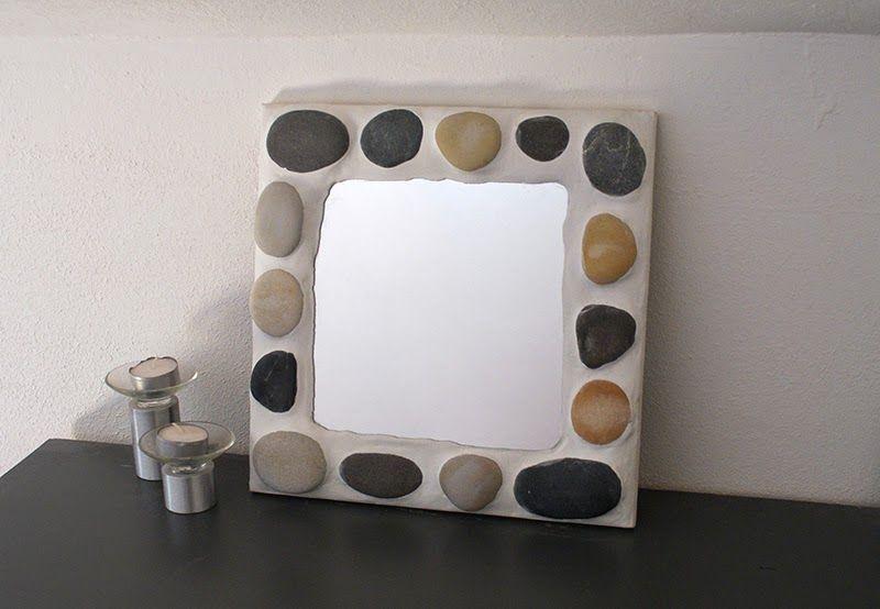 customiser un miroir avec des galets bricolages de lulusuperglu. Black Bedroom Furniture Sets. Home Design Ideas