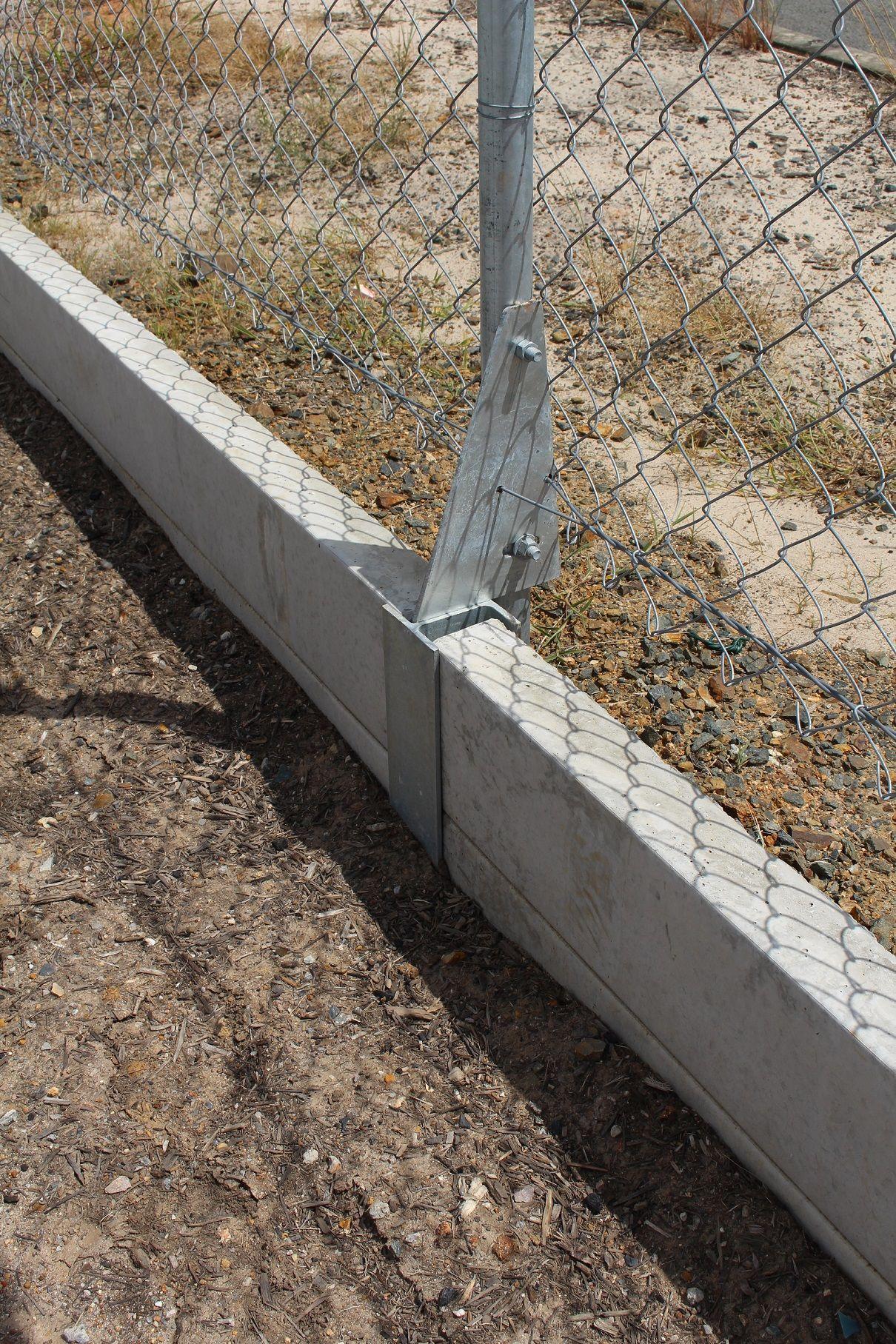 Pioneer Offset Galvanized Steel Fence Brackets Visit Www Aussieconcreteproducts Com Au Or Call 07 3348 1200 For More Information Ahir Planlari