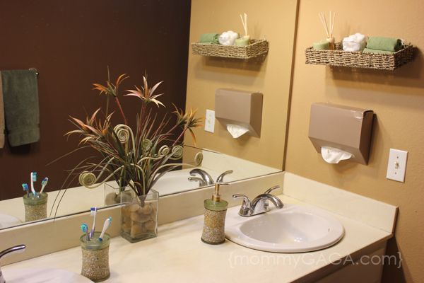 Superieur DIY Bathroom Ideas: Floating Basket And Kleenex Hand Towels Wall Decor #CGC  #CleanHands