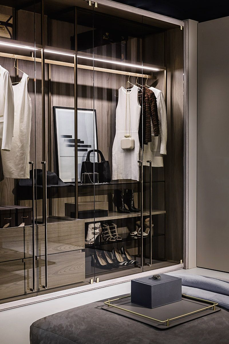 stylist and luxury modern closet designs. Explore the best of luxury closet design in a selection curated by Boca do  Lobo to inspire interior designers looking finish their projects Bruno Tarsia architect and stylist produces editorial