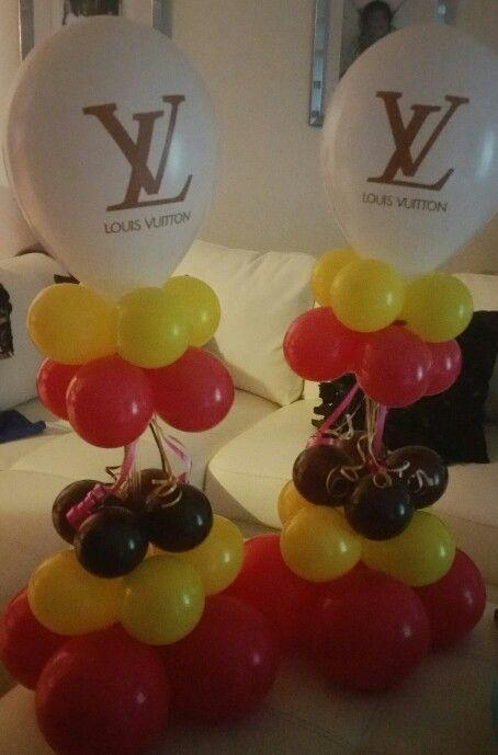 Theme party balloon centerpieces