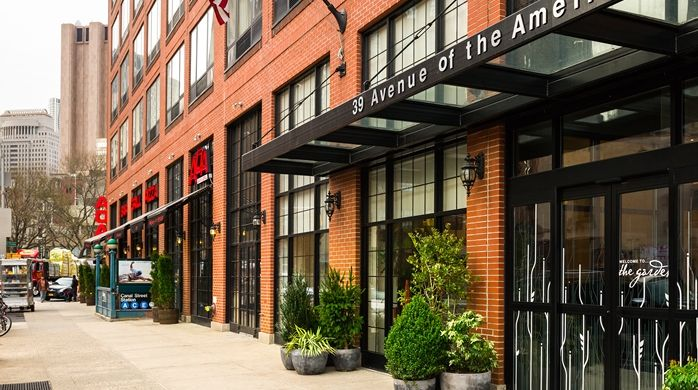 nyc hotel entrance - Google Search | Apartments exterior ...