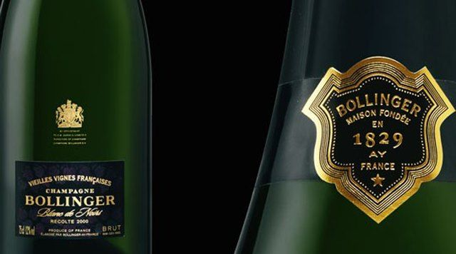 Bollinger-Blanc-De-Noirs-Vieilles-Vignes-Francaises $650,=eze champagne wordt geproduceerd door het wijnhuis Bollinger. Hij wordt gemaakt door gebruik te maken van niet geënte onderstammen geplant in schaars bezette en dus rijke wijngaardgronden. De Bollinger wordt algemeen bewonderd als een zeer rijke, volle wijn. Elk jaar bottelt het huis zo'n vijfduizend flessen van zijn uitzonderlijke champagne.