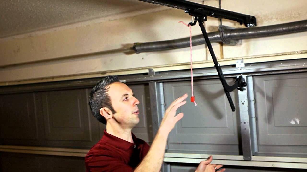 Manual Disengage For Liftmaster Sears Garage Door Opener Youtube In 2020 Liftmaster Garage Door Opener Garage Doors Liftmaster Garage Door