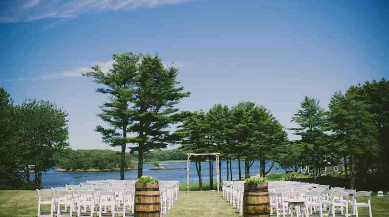 1774 Inn Coastal Maine Beach Waterfront Wedding Venues On Borrowed Blue