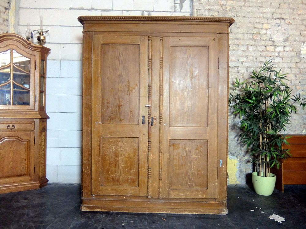 Details zu Alt Antiker Holz Kleiderschrank im stil um 1900 ...