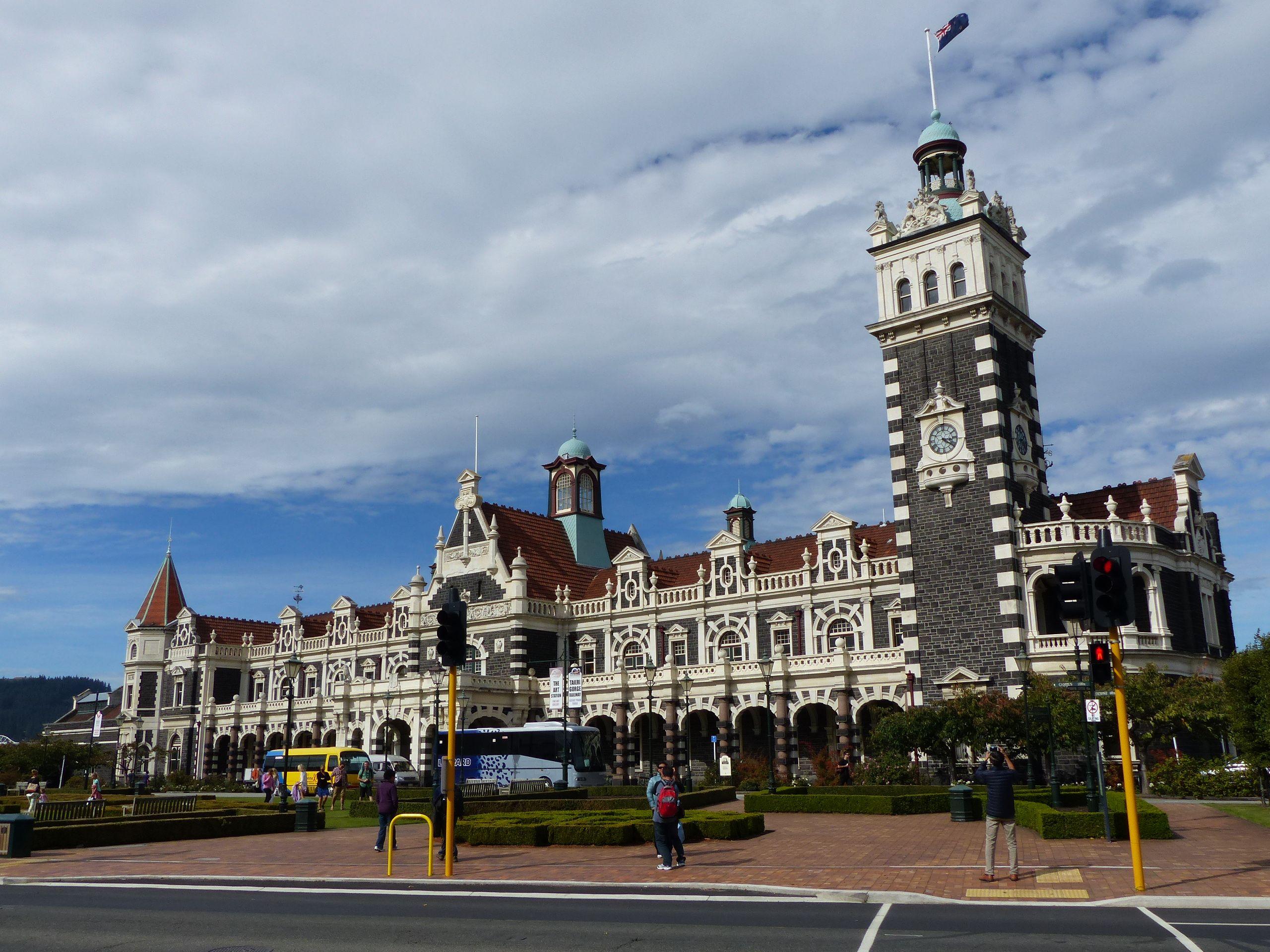 Eines der beliebtesten Fotomotive Neuseelands: Dunedin Railway Station.