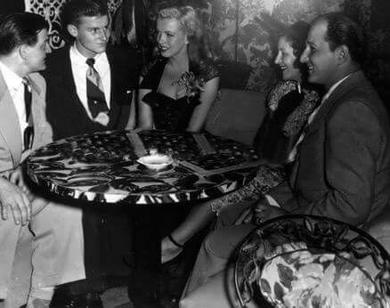 Marilyn With Roddy Macdowell At Ricketts Nightclub In Chicago