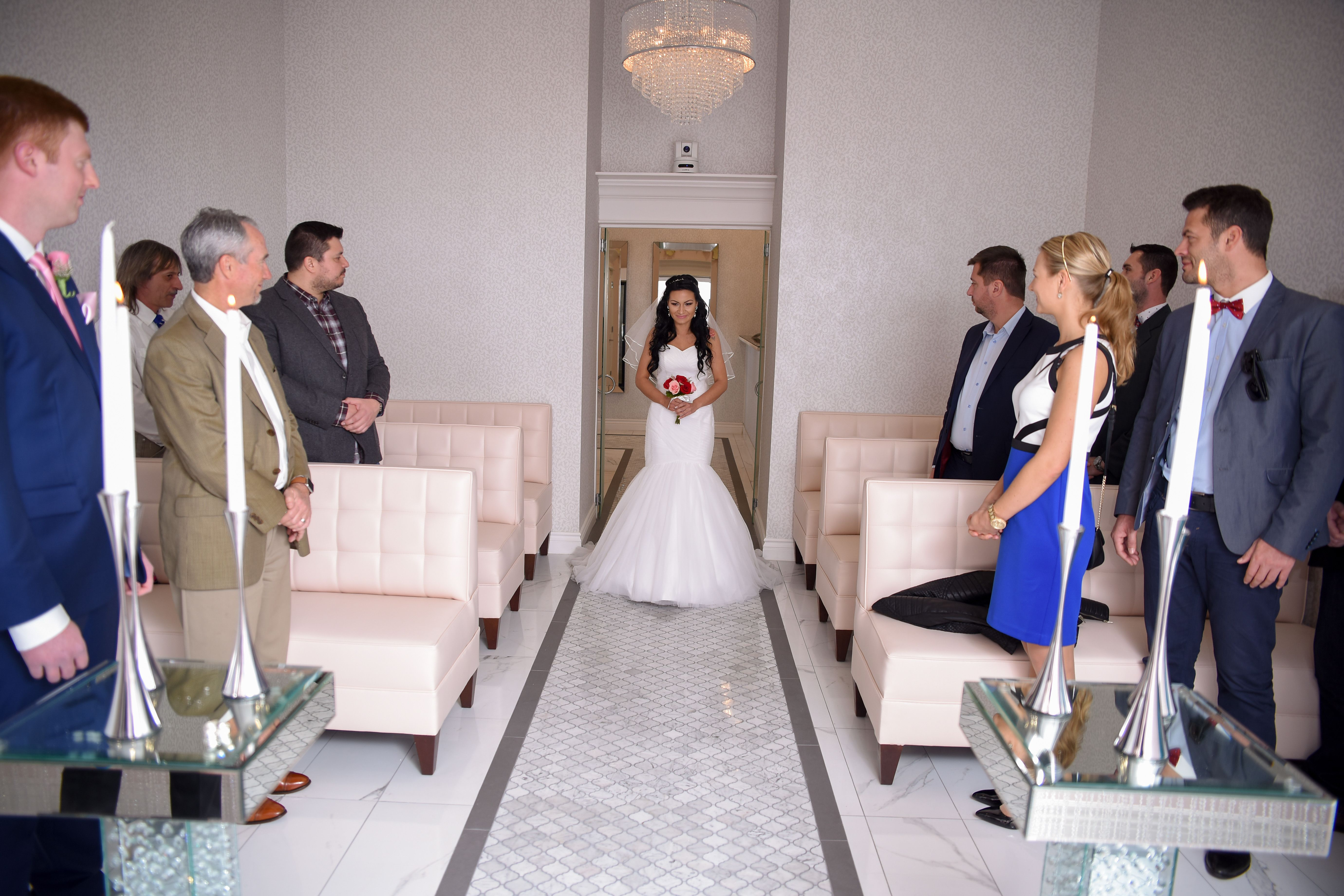 Glam And Chic Wedding Venue In Las Vegas Chapel Of The Flowers Offers All