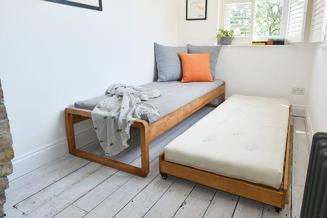 Solid Birch Trundle Bed In 2019 Interesting Trundle