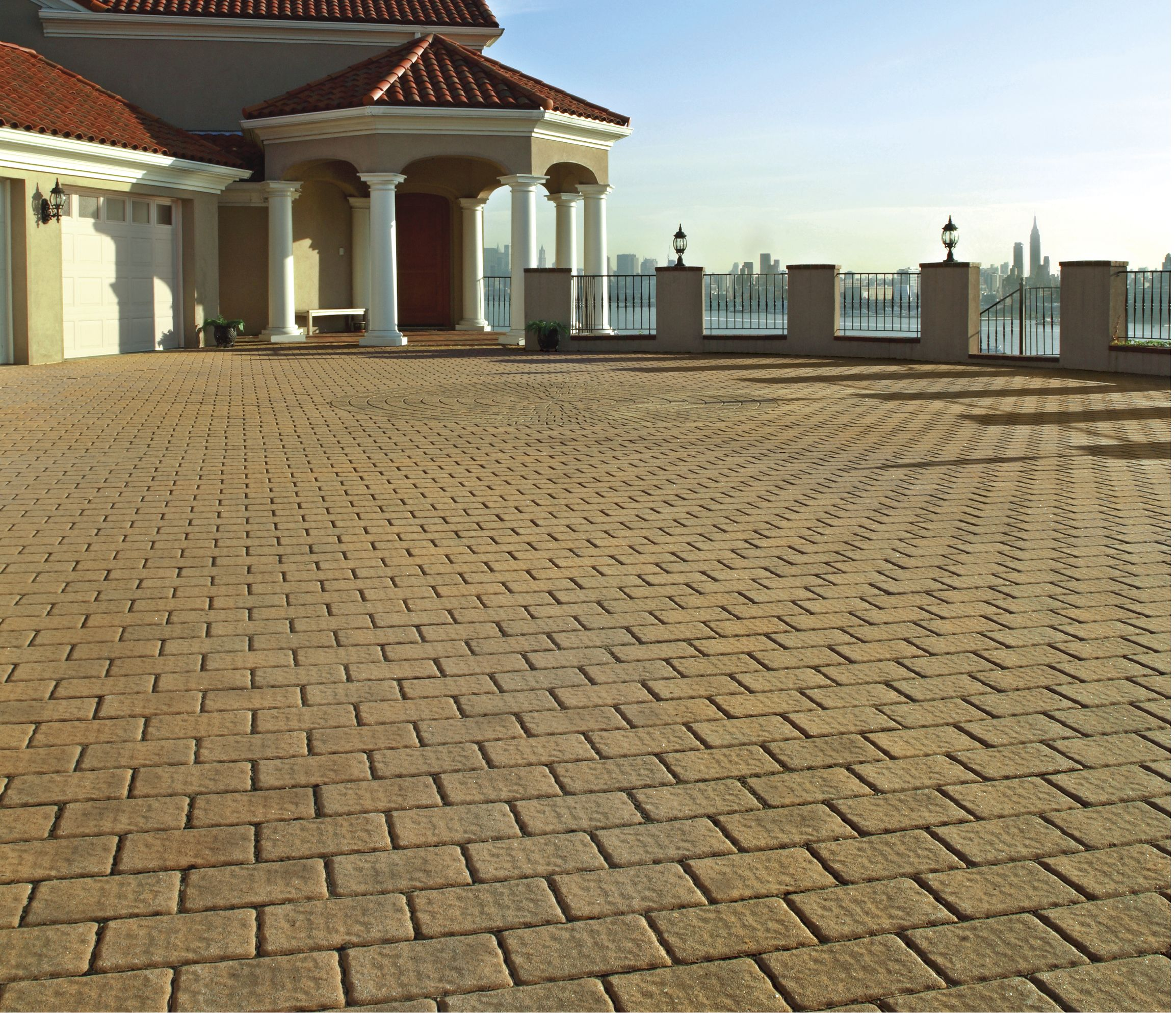 Cambridge pavingstones wall systems color options - Walls The Roundtable Collection 6x9 With A Circle Design Kit Cambridge Pavingstones With Armortec Provide Pavers