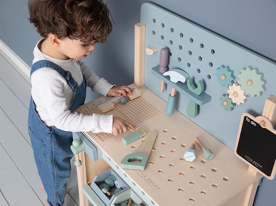 VillaSternenstaub Holz Spielwerkbank mit Werkzeuggürtel