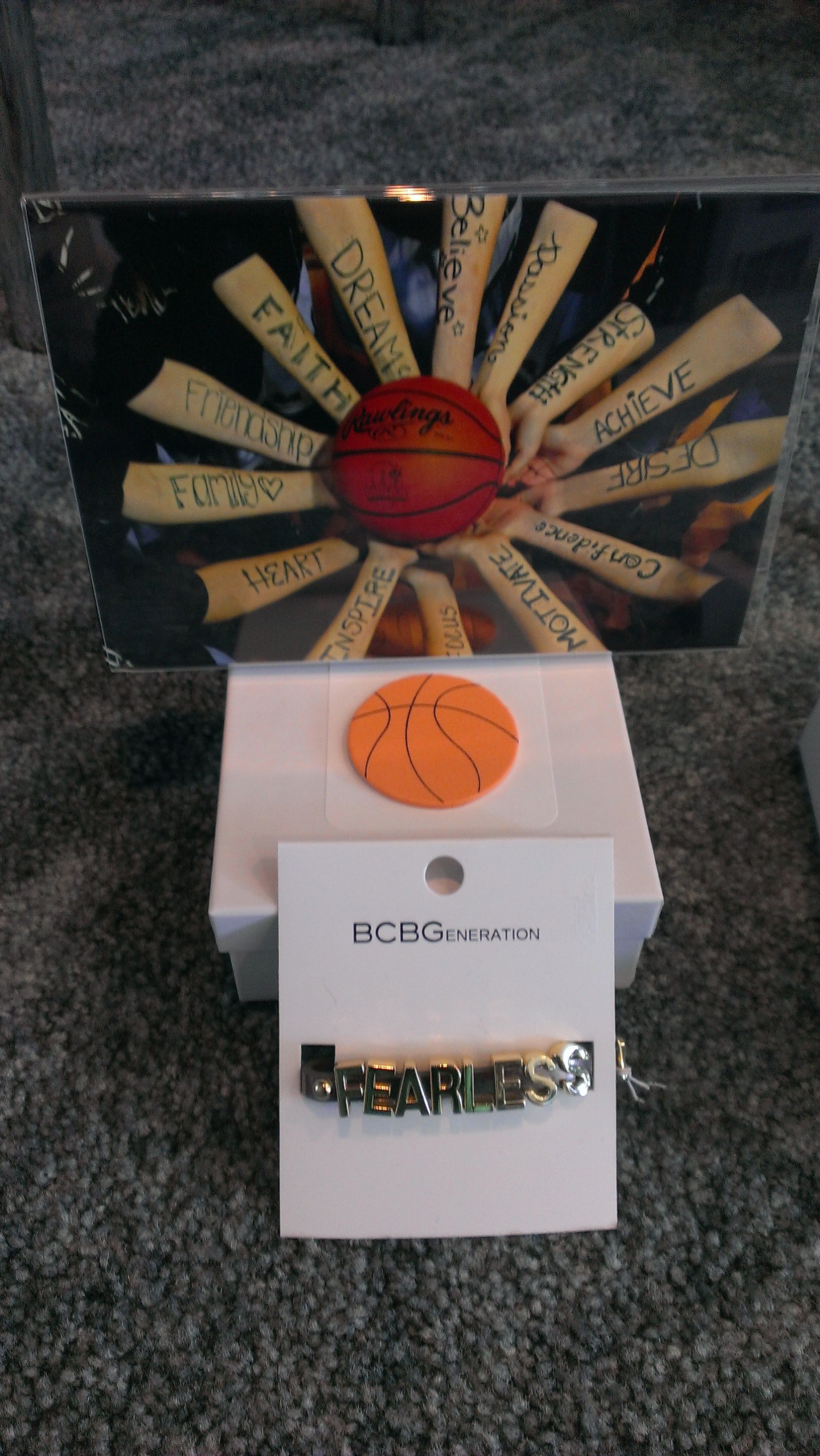 basketball gift idea for teammates team pic and bracelet ideas