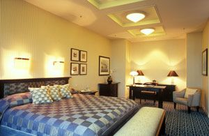 Camere Disneyland Hotel : Are you feeling regal then why not stay in the presidential suite