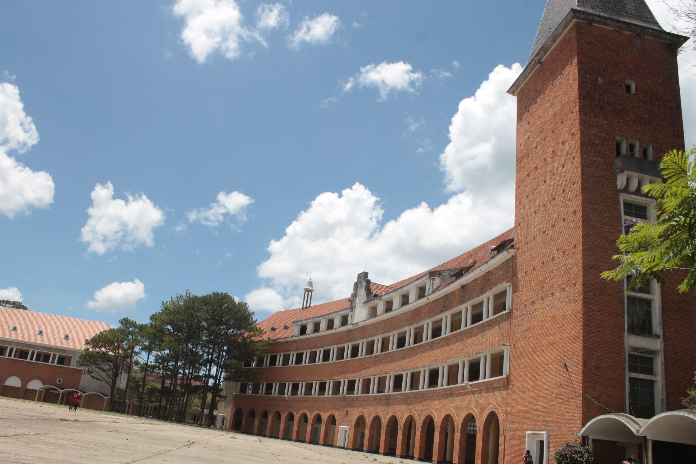 Universidad de Dalat