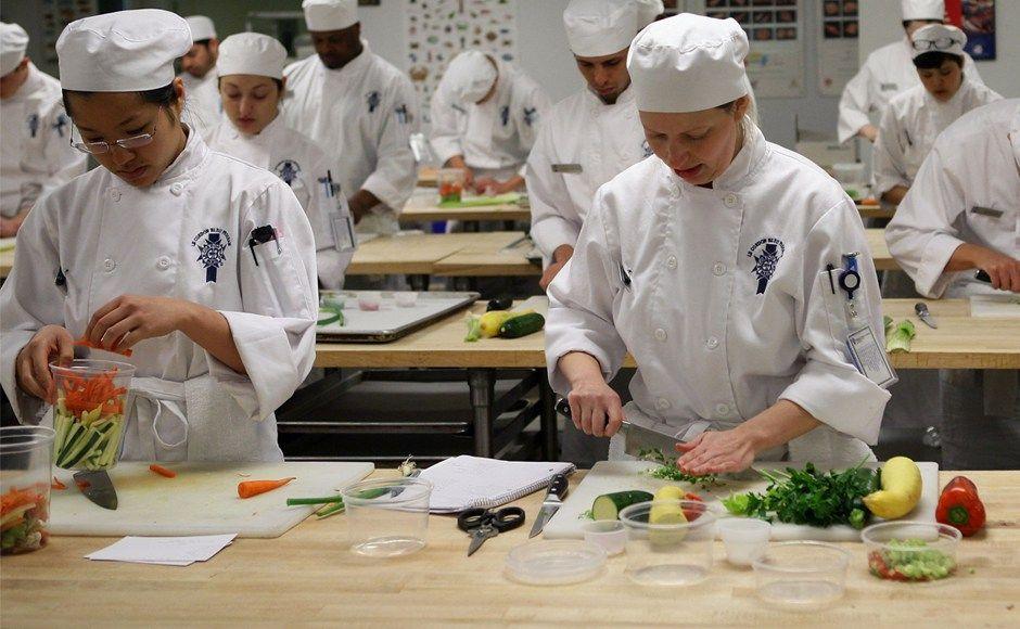 E depois da Escola de Gastronomia? - http://superchefs.com.br/e-depois-da-escola-de-gastronomia/ - #Artigos, #ChefsFamosos, #CozinhaProfissional, #Cozinheiro, #EscolaDeGastronomia, #EstudarCulinaria, #Gastronomia