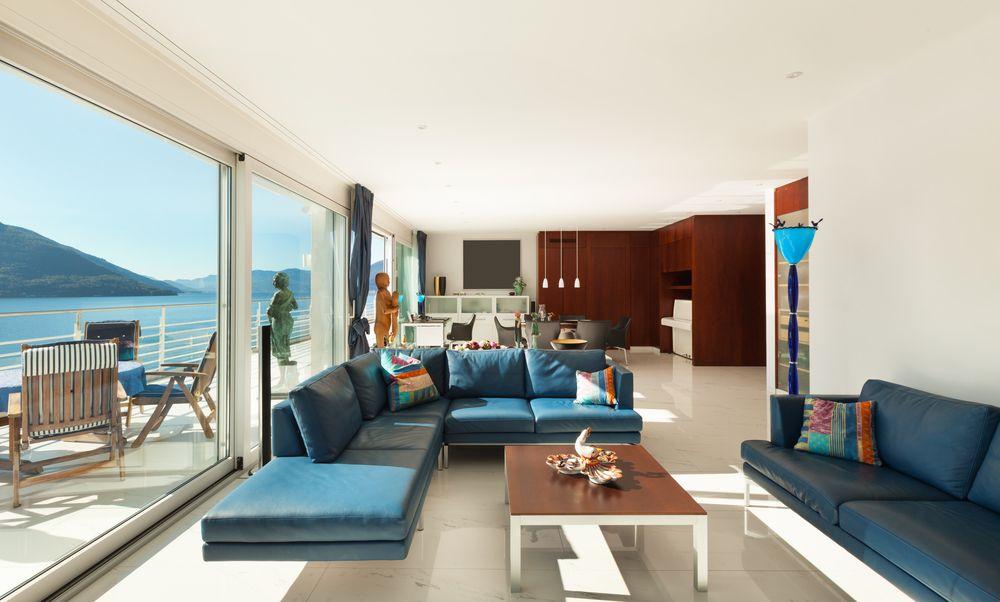 Een betonverf in uw woonkamer geeft een frisse moderne look aan uw ...