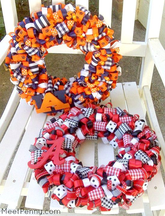 Curled Ribbon Wreath In Team Colors Very Cute Could Make And Sell From Home Other Great Product Ideas To Here Too