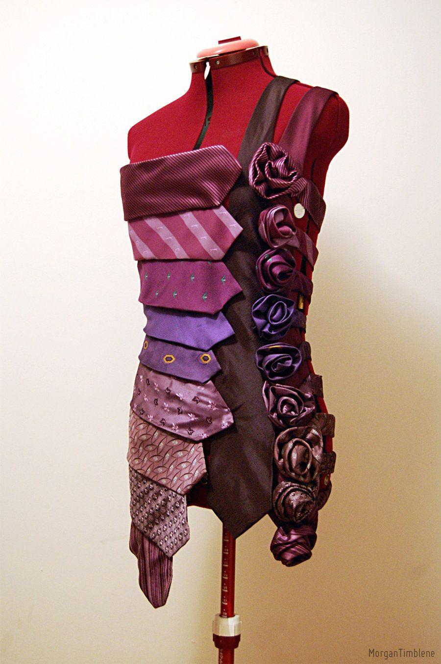 Une camisole fait de cravate!!