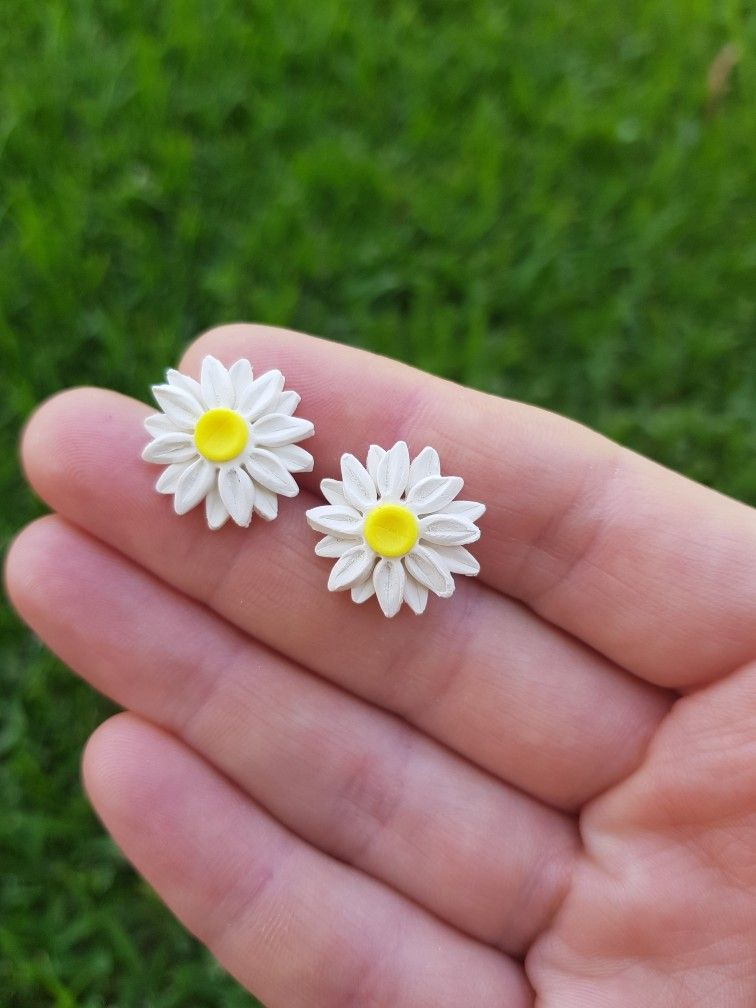 DAISY polymer clay earrings for her gift for Mother\u2019s Day spring jewelry lightweight