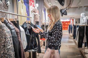 4a083208bf76e5 Launch auf  FASHIONTECH BERLIN  So geht Shopping im neuen bonprixPilot  Store - Eröffnung am 14. Februar in Hamburg