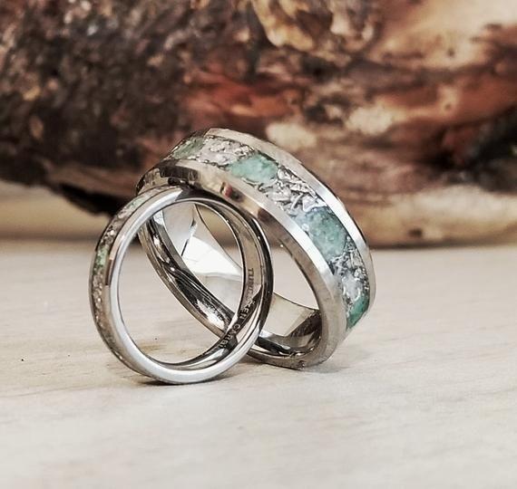 Couples Set Tungsten Emerald Meteorite Womens Wedding Band Etsy Mens Wedding Rings Emerald Engagement Ring Wedding Ring Sets