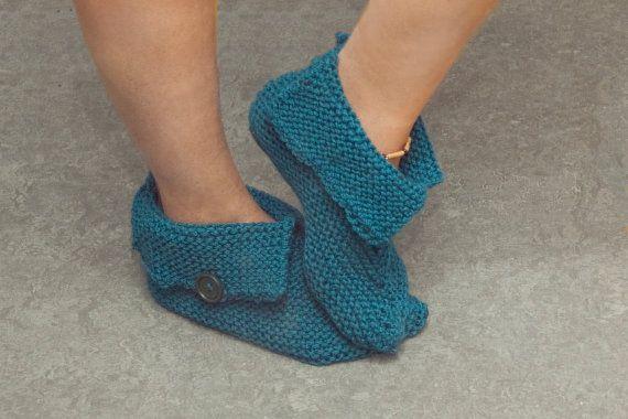 Pantoufles pour femme tricot boutons chaussons bottes femmes à ... 5a1ea6160d30