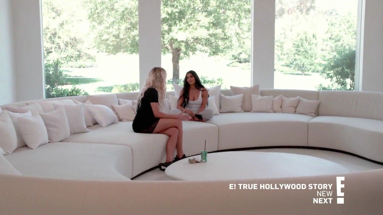 Pin By Thami Toledo On Hidden Hills House Kardashian Bedroom Decor Minimalist Home Home Interior Design