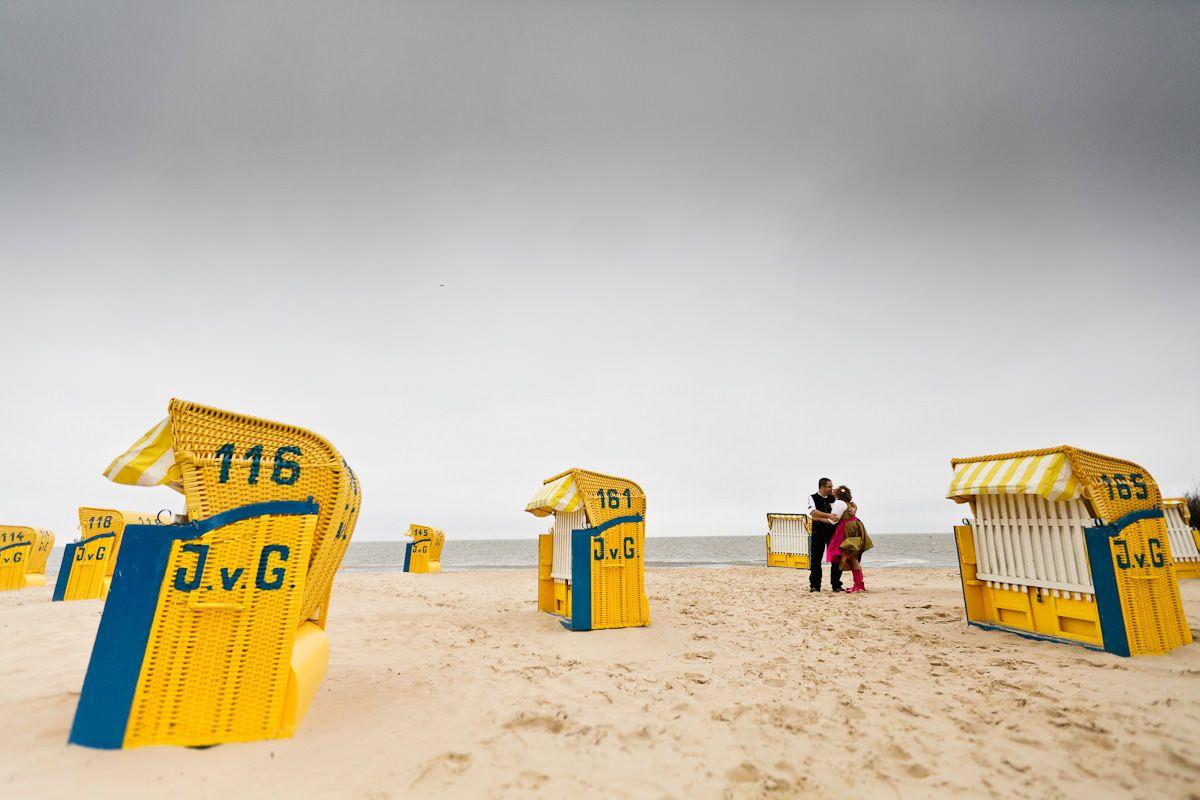 Alpenrand küsst Nordseestrand -  Hochzeit mit Dirndl und Lederhose in Cuxhaven